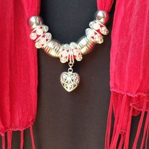 Scarf necklace with heart pendant